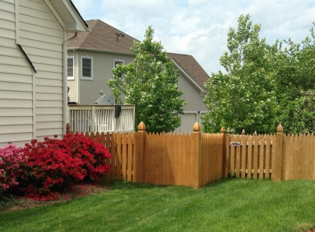 7 Things to Consider When Hiring a Fencing Contractor