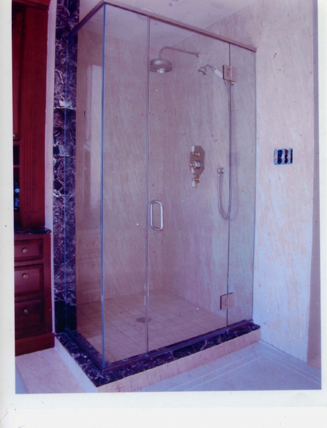 Three Reasons Why Glass Shower Doors Are Great to Have | Springfield, VA