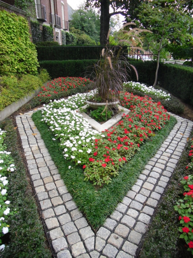 What Can a Landscape Maintenance Contractor Do for Your Yard? | Silver Spring MD
