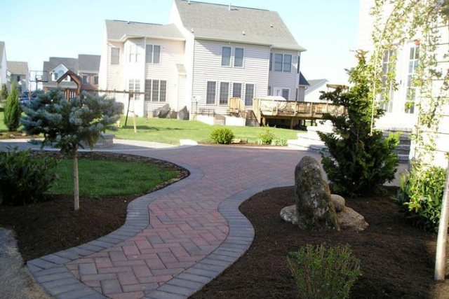The Benefits Of Adding Pavers To Your Front Yard | Bethesda MD